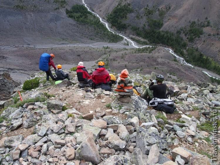 Вид на долину с альплагерем Арктру