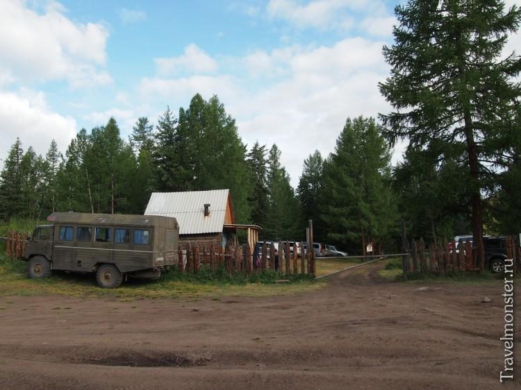Перевалка - сюда можно добраться на чем-то менее серьезном, чем Урал