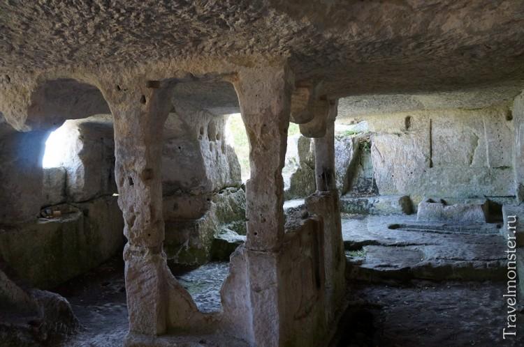 Таинственные пещерные города Крыма