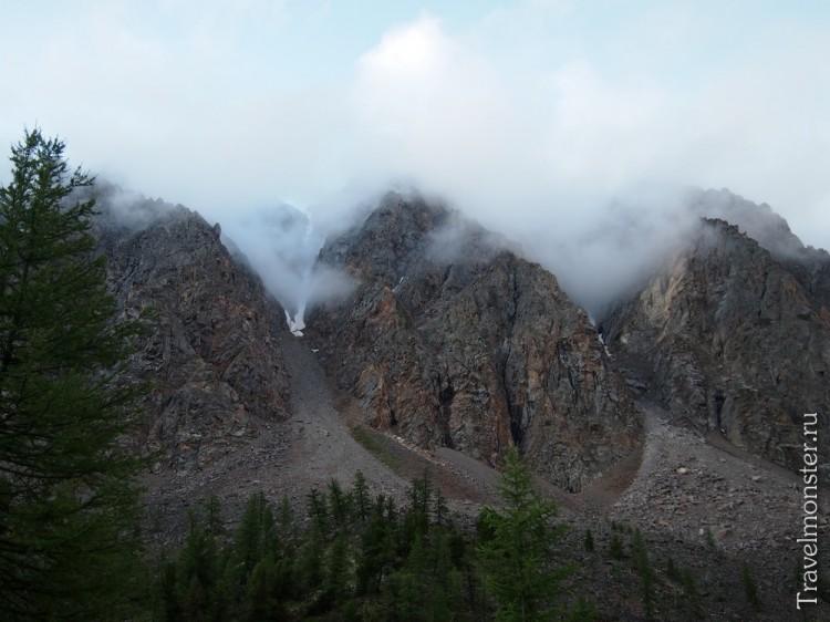 Облака цепляются за горы... До новых встреч!