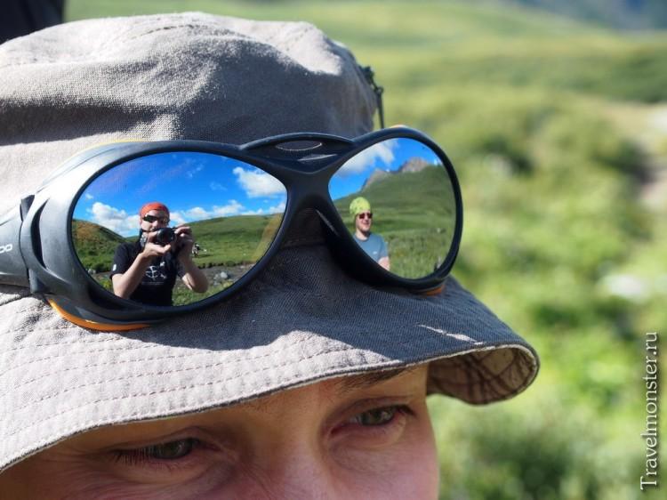 А в очках - огромный... На самом деле просто мы с Леонидом, конечно