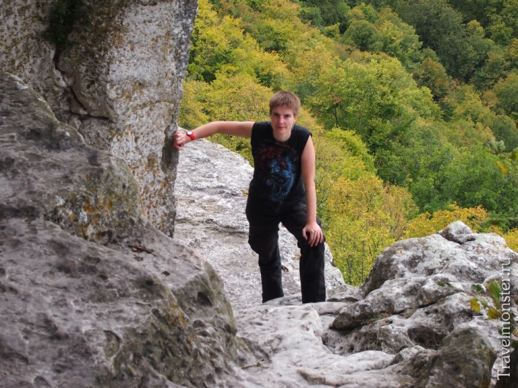 Продолжаем изучать местные многоуровневые пещеры