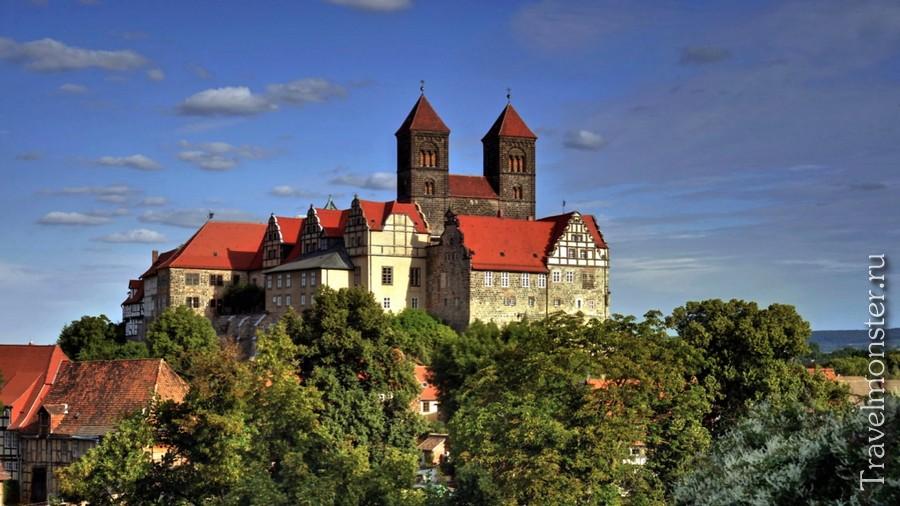 Красивейший замок в Германии с красной крышей