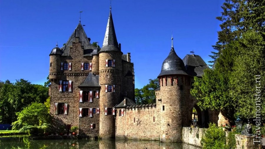Замок Зацвей (Burg Satzvey)