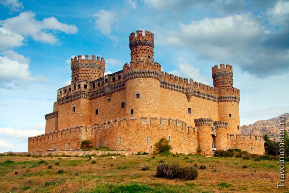 замок Мансанарес-эль-Реаль