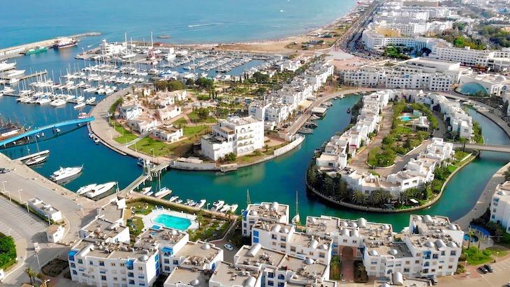 Ясмине Тунис